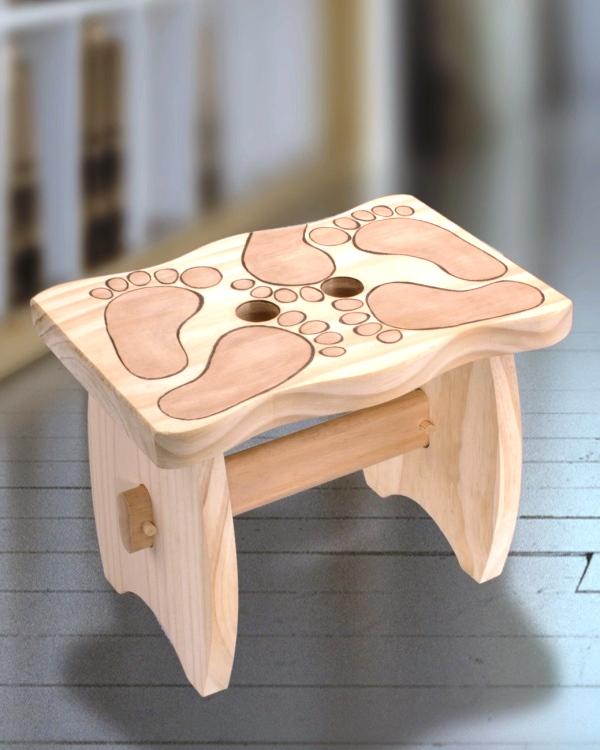 holzschemel mit gebrannten f en basteln bastelideen bastelvorlagen und bastelforum die. Black Bedroom Furniture Sets. Home Design Ideas