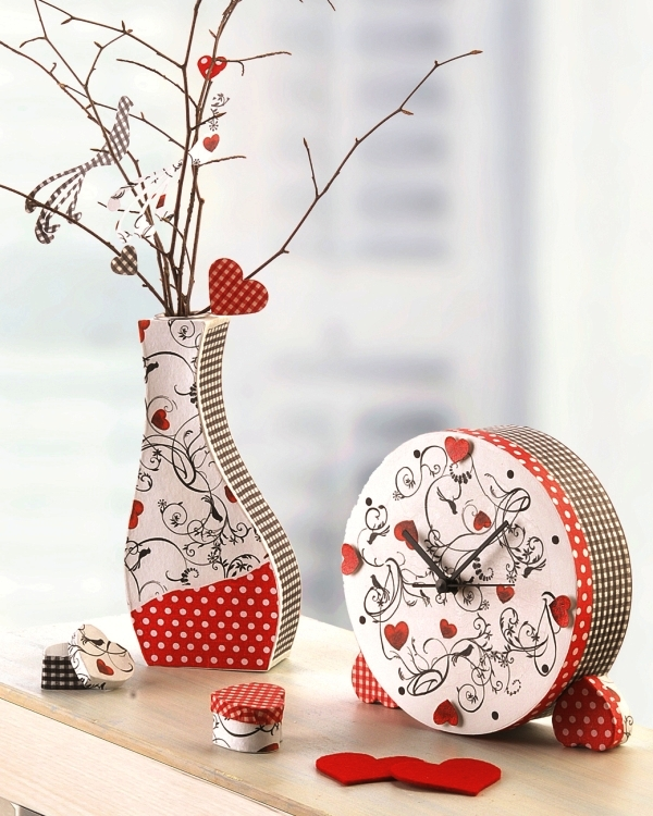 dosenuhr und vase selbst gebastelt dekoriert basteln bastelideen bastelvorlagen und. Black Bedroom Furniture Sets. Home Design Ideas